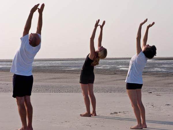 Back Pain: 20 Yoga Poses for Backache : Talasana (Palm tree pose)