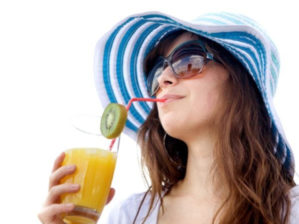 Best Way to Detox Your Body # 14: Drink juices