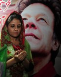 Pakistan Prays for Imran Khan