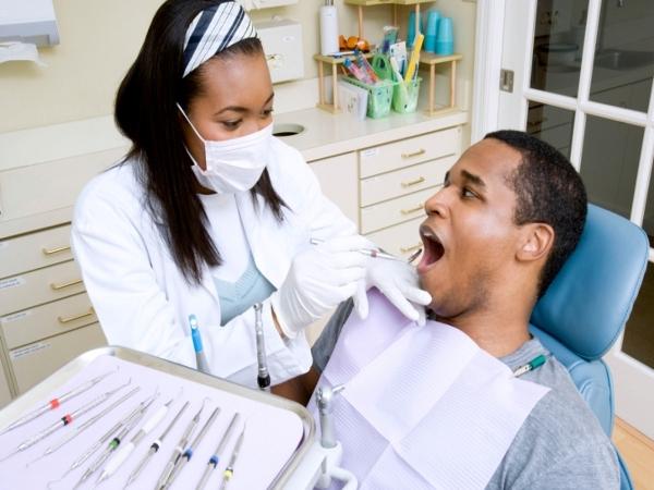 Dental care: 20 Tips for White Teeth : Visit the dentist regularly