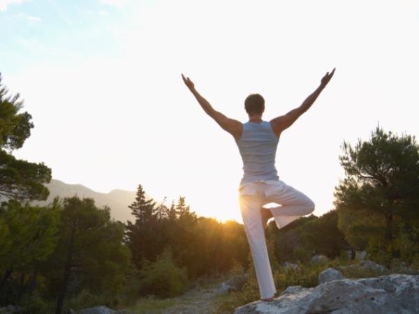 Back Pain: 20 Yoga Poses for Backache : Trikonasana