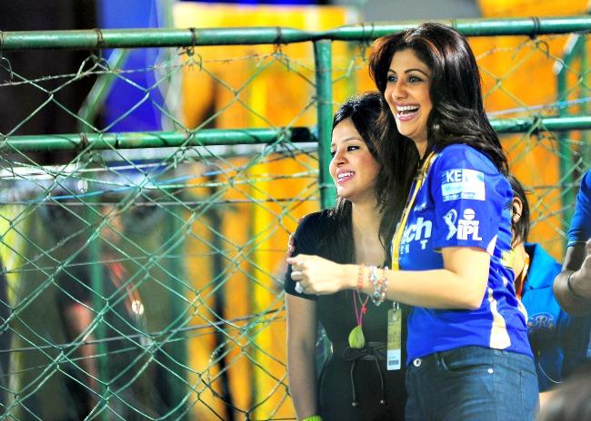 Shilpa Shetty and Sakshi Dhoni