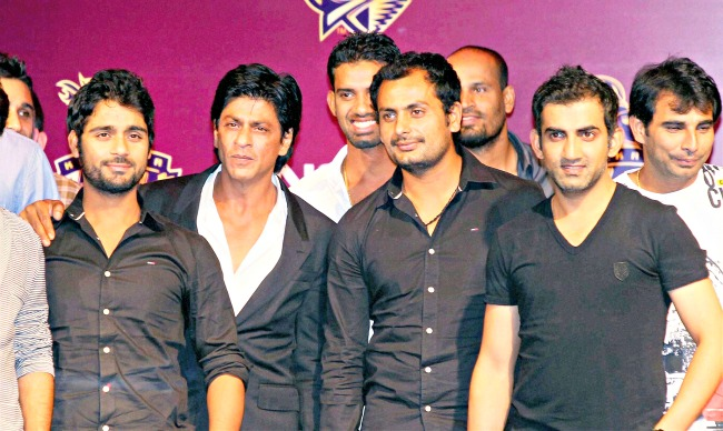 The Kolkata Knight Riders' owner with his team. (Photo: PTI)