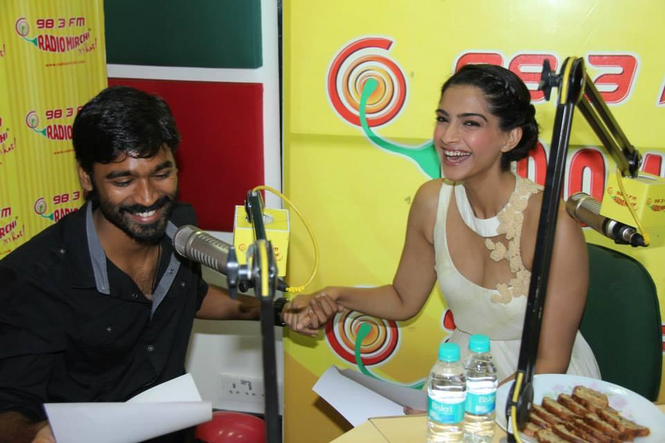 Sonam Kapoor and Dhanush launched the music of Raanjhanaa at the Radio Mirchi Studios in Mumbai
