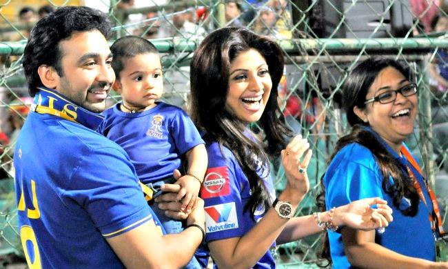Raj Kundra, Shilpa Shetty and Viaan