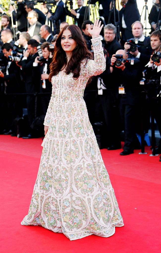 Aishwarya Rai Bachchan poses for the shutterbugs at the 66th Cannes Film Festival.