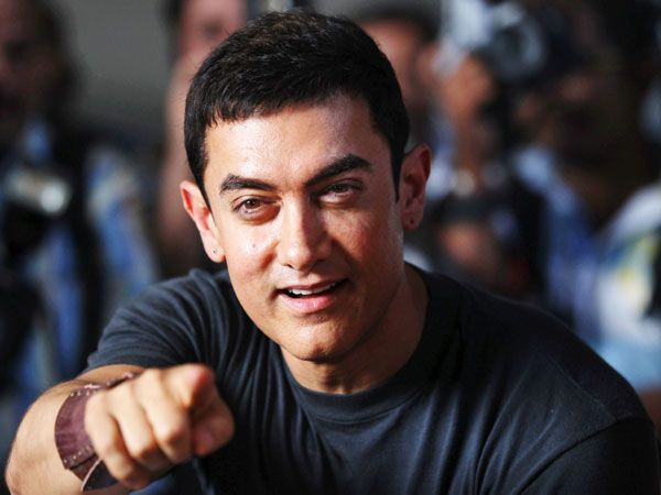 Aamir Khan: Clearly holding a degree is of no importance if you want to make it big in showbiz. Aamir left school when he was in standard 12 to pursue his dream of becoming an actor. He is one of the very few Bollywood actors who believe in making meaningful films. We like!