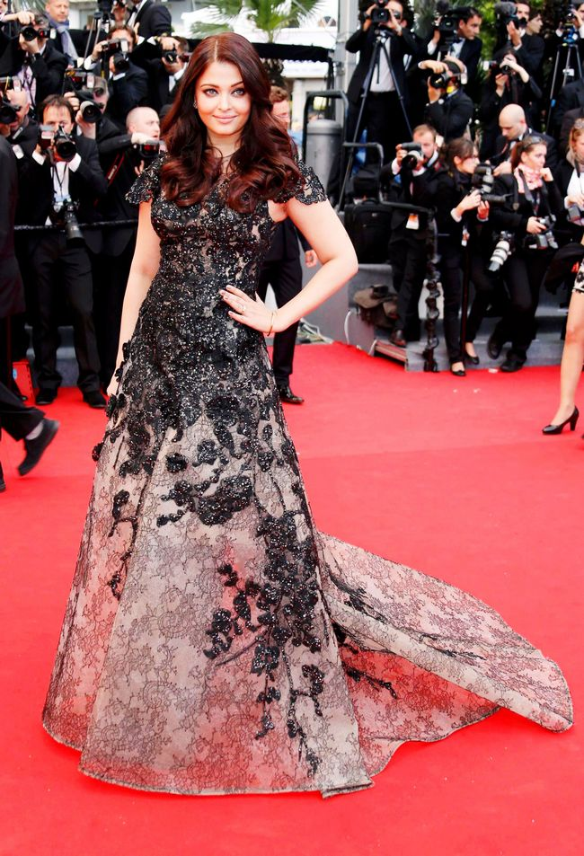 The Bachchan bahu made her first appearance at Cannes this year in an elegant Elie Saab Couture gown. The black lace and her luscious mane enhanced her look.