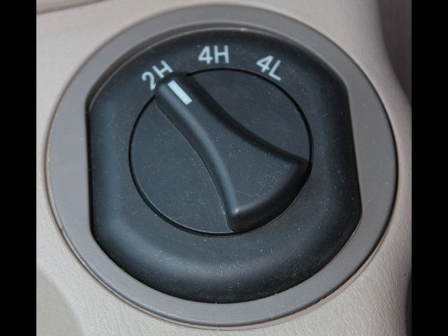 Shift-on-the-fly selector is conveniently placed next to the driver on the centre console