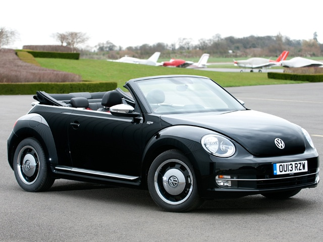 Volkswagen has introduced a retro range of Beetle cabriolet models that hark back to their respective era. This, the Beetle Cabriolet 50s Edition features 'Circle Black' alloy wheels harking back to the 70s with a silver centre indicating of half wheel caps and the silver outer ring hints ar white wall tyres
