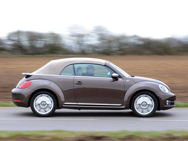 Retro Volkswagen Beetle Cabriolets - Indiatimes.com