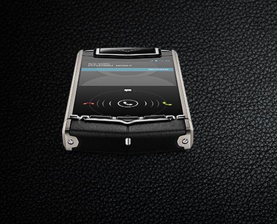 Vertu Ti a 3.7-inches capacitive screen with a resolution of 480 x 800 pixels.