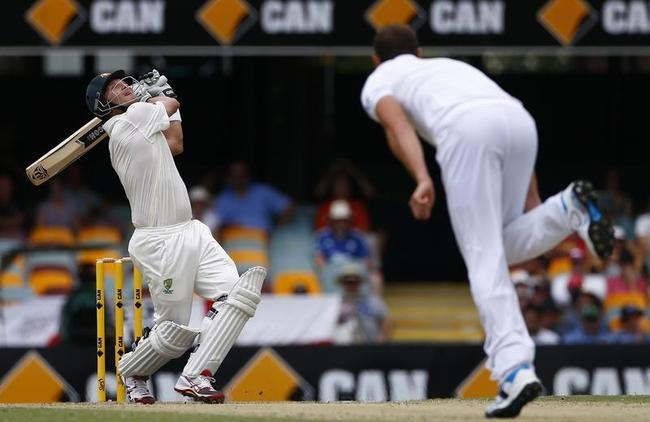 Shane Watson Miscues a Pull Off Chris Tremlett; Falls for 6