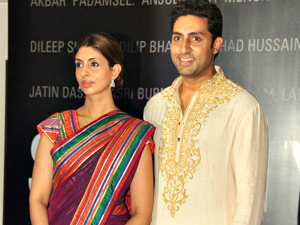 Abhishek Bachchan & Shweta Nanda: Junior Bachchan and his elder sister, Shweta Nanda look so much like each other. Their features are very similar, and both resemble their dad, Amitabh Bachchan.