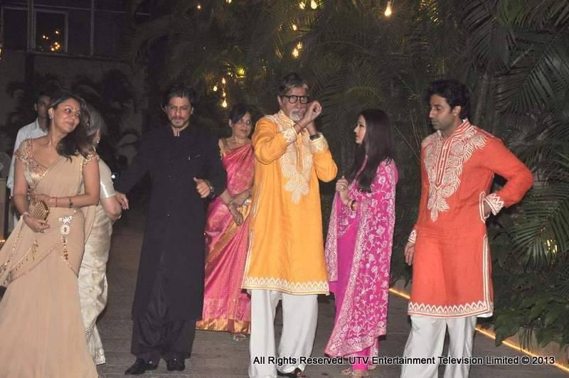 Amitabh Bachchan, Jaya Bachchan, Aishwarya Rai Bachchan, Abhishek Bachchan, Shah Rukh Khan, Gauri