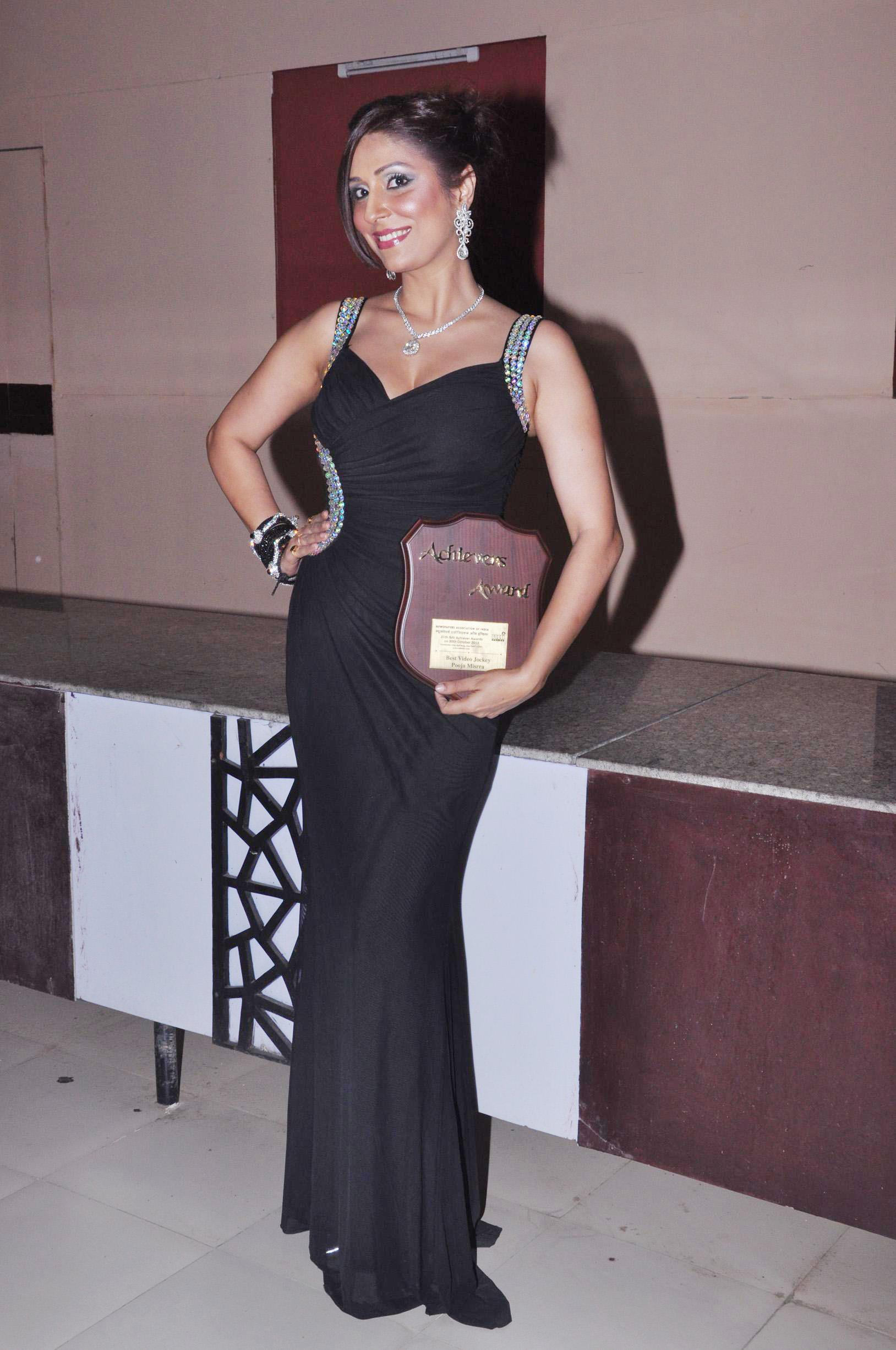 Pooja Misrra gets awarded by the Newspapers Association of India for being the 'best video jockey'