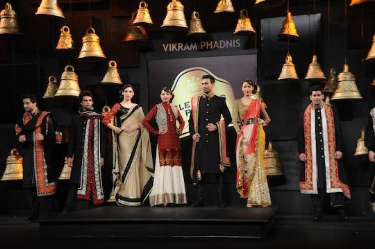 Models showcasing Vikram Phadnis