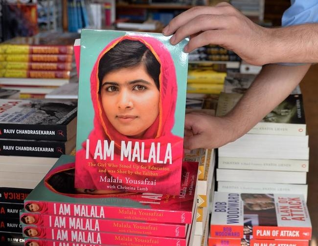 PAKISTAN-UNREST-MALALA-BOOK