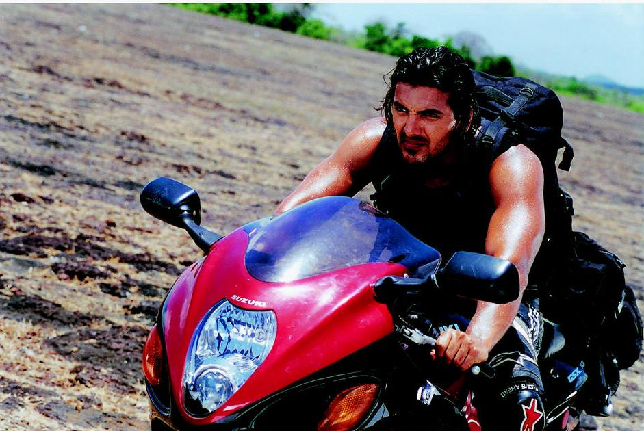 John Abraham, who played Kabir in 'Dhoom', found it a challenge to film the scene where his bike rides into a moving trailer. John refused to let a stuntman perform the scene and executed it without a helmet too! Riding at a speed of 100 kmph (the trailer was moving at 80 kmph), John's only instruction to the others around him was to swerve in case he fell. If they didn't, he would certainly be ridden over by them!