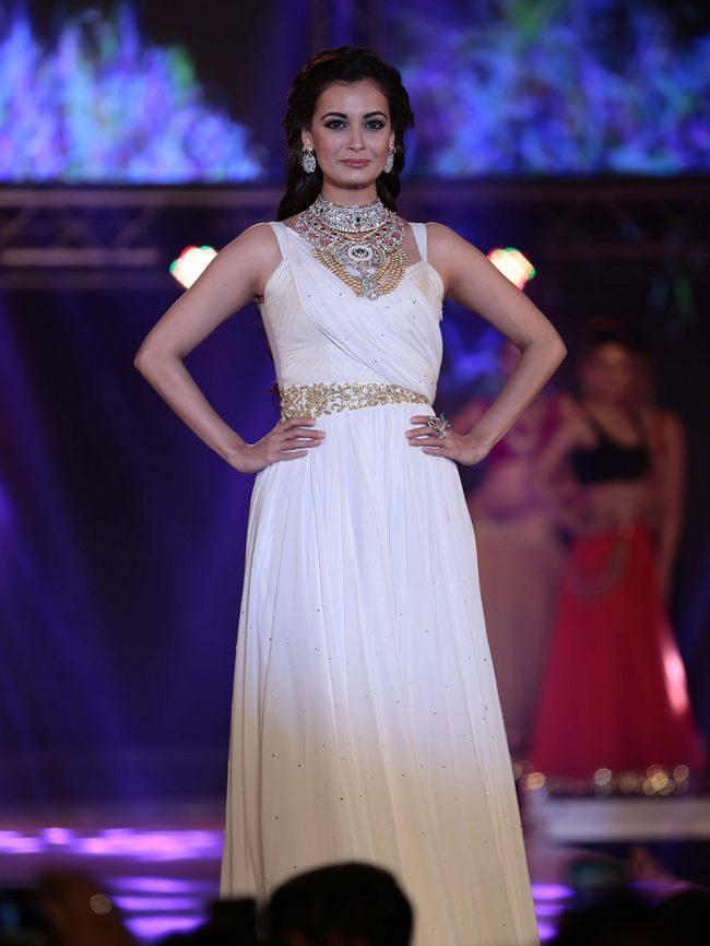 Dia Mirza wore a stunning white dress at the 1st India Bullion Jewellery Awards.