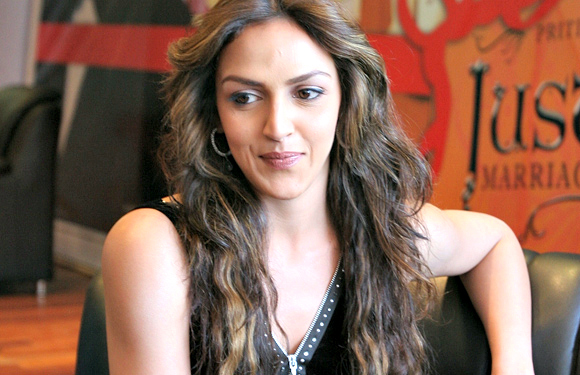 "Esha Deol - ""I will agree to do only two heroine or a solo heroine film."" And that's how this choosy beggar eliminated even the slightest chance of a movie offer. Not that she ever realised it."