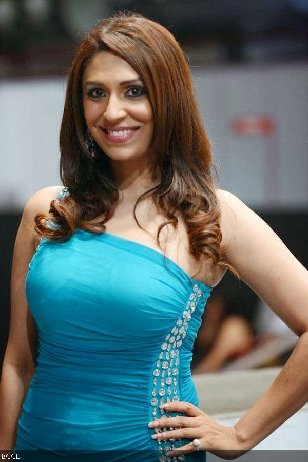 Pooja Misrra At Wills Lifestyle India Fashion Week, New Delhi