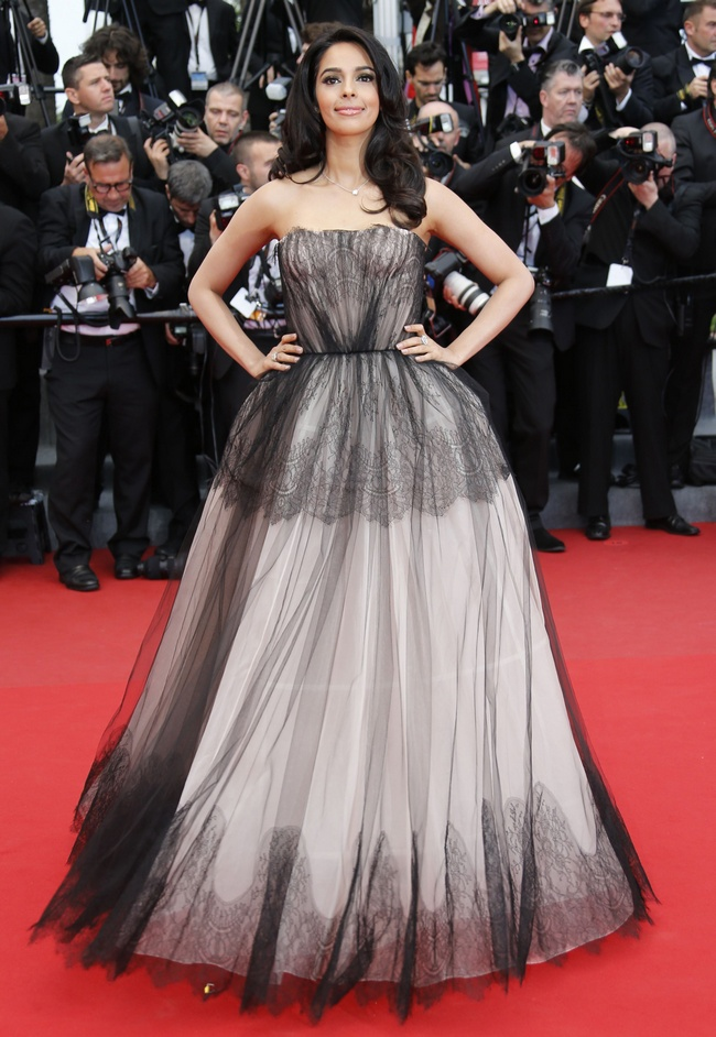 Mallika looked gorgeous when she walked the 2013 Cannes red carpet in a strapless Dolce & Gabbana gown.