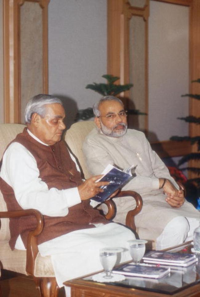 Narendra Modi, Atal Bihari Vajpayee