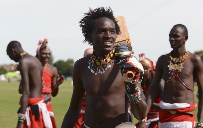 Maasai Warriors Play Cricket