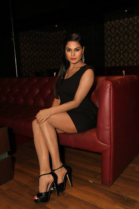 Veena Malik looks super hot while promoting her film, Super Model.
