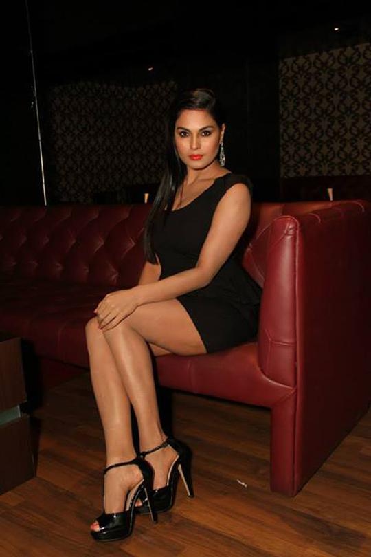 Veena Malik looks super hot while promoting her film, Super Model.  Courtesy: Veena Malik