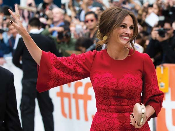 As another successful year of the Toronto International Film Festival comes to an end, we take you through the best red carpet moments. Our favourites include Julia Robert's in Dolce & Gabbana and Marion Cotillard's in Christian Dior. We'll let you make the verdict on the rest