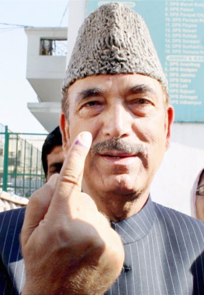 VIPs Cast Their Votes: PICS