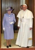 When Queen Elizabeth Met Pope Francis: PICS