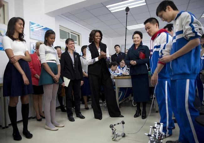 Michelle Obama, Malia, Sasha, Peng Liyuan