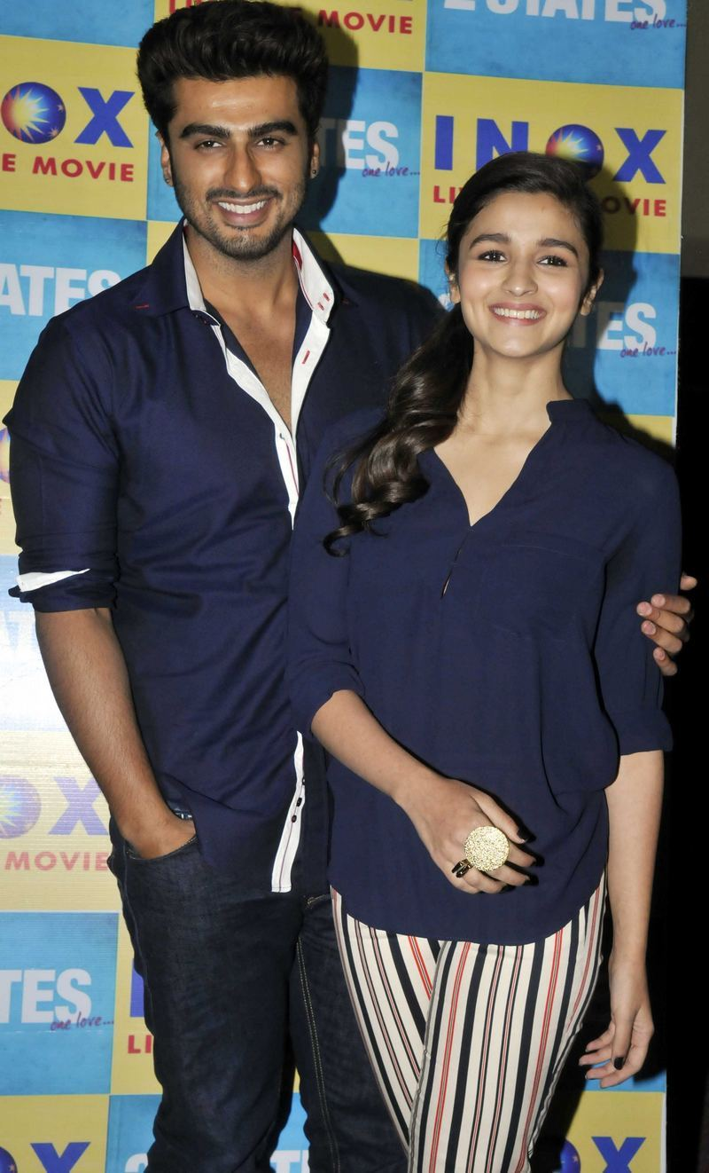 Aww! Arjun Kapoor, Alia Bhatt Promote 2 States In Matching ...