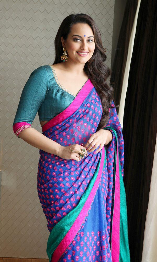 Ain 39 t nobody like this desi girl sonakshi stuns in sari - Desk girl image in ...
