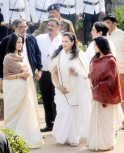 Moon Moon Sen, Riya Sen, Raima Sen at Suchitra Sen Funeral