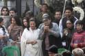 Moon Moon Sen, Biswajit, Riya Sen, Raima Sen at Suchitra Sen Funeral
