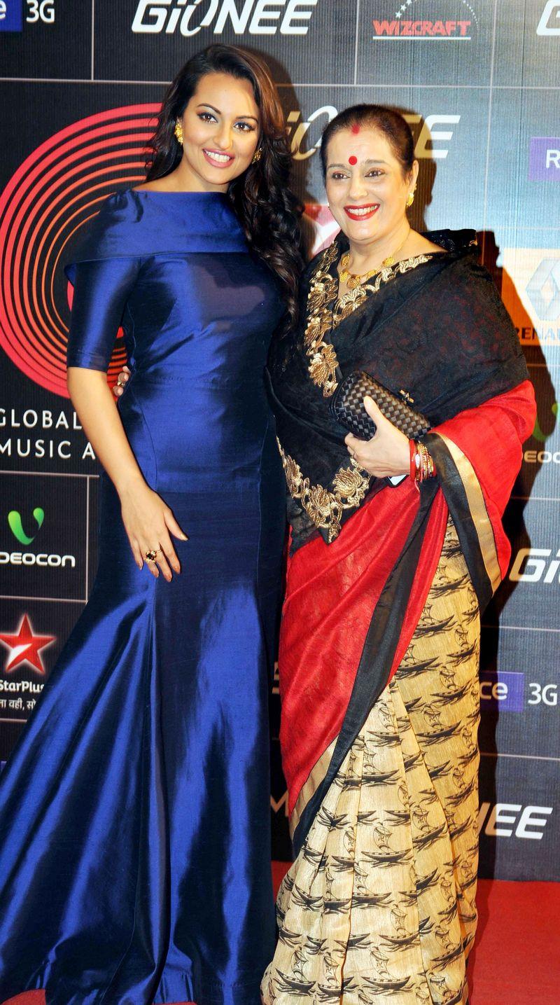 Sonakshi Sinha and Poonam Sinha
