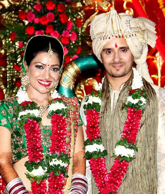 Actress Amita Pathak and singer Raghav Sachar tied the knot recently and made for some lovely photos. Photo: PTI