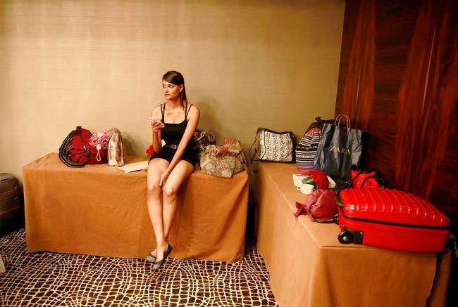Lakme Fashion Week: Aspiring Models Get Ready to Walk the Ramp