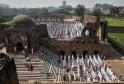 Eid al-Fitr Celebrations Around the World: PICS
