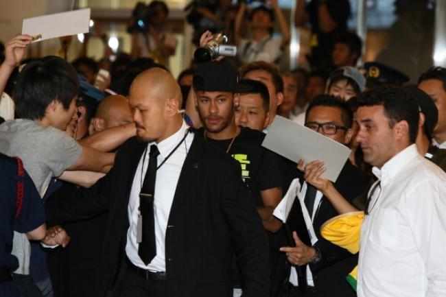 Neymar Arrives In Japan