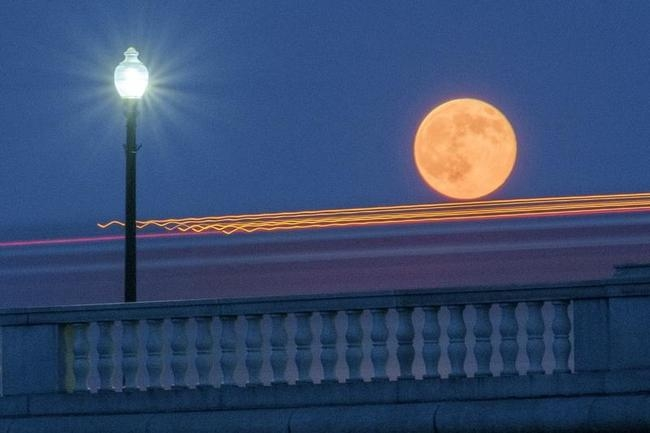 Splendid images of the supermoons from around the world