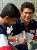 Indian cricket star batsman Sachin Tendulkar (R) s