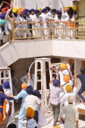 Violent Clashes Inside Golden Temple