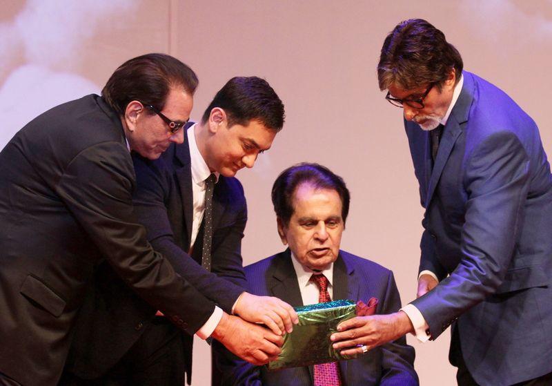 Dharmendra, Aamir Khan, Saira Banu, Dilip Kumar and Amitabh Bachchan