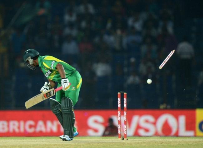 Shamsur Rahman was bowled by Shapoor Zadran