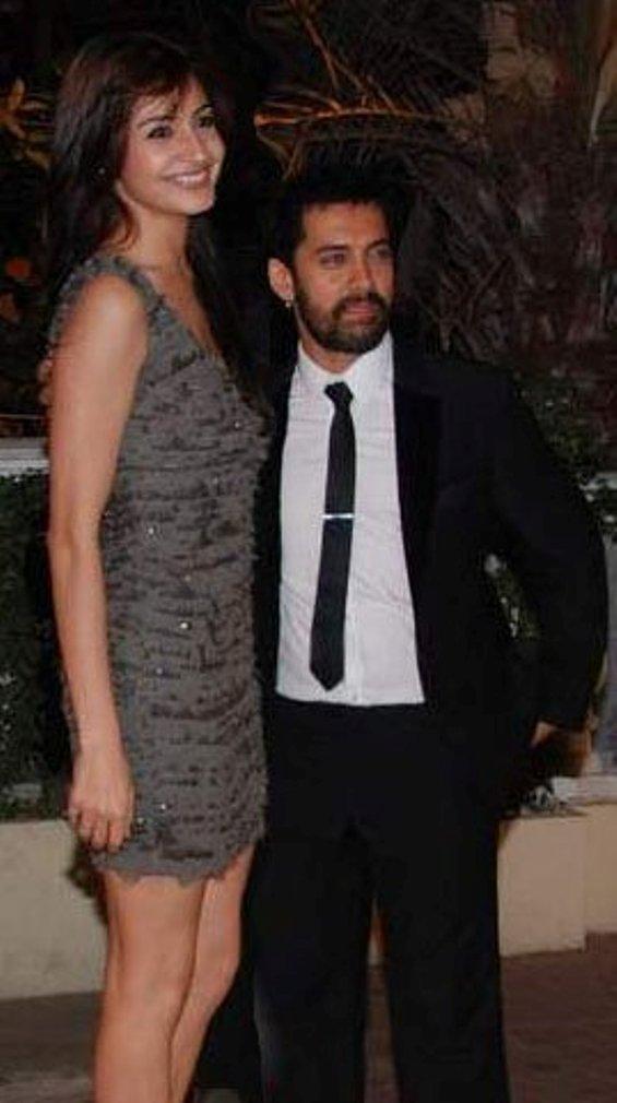 Aamir Khan and Anushka SharmaWill be seen together in Raju Hirani's 'P.K.'